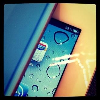 """Pierwszy """"peek"""" pod pokrywę iPada 2"""