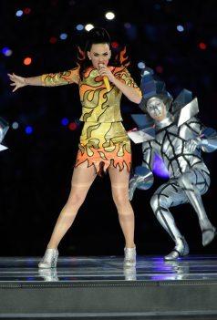 Katy-Perry-Super-Bowl-2015-14