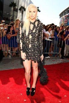 Kesha+2012+MTV+Video+Music+Awards+Red+Carpet+1C9NHM1eiz3l
