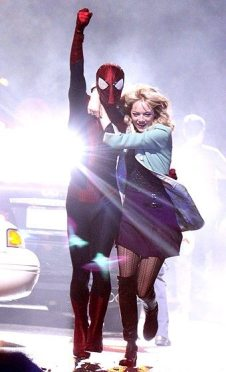 inanilmaz-orumcek-adam-2-The-Amazing-Spider-Man-2-emma-stone-Andrew-Garfield-2