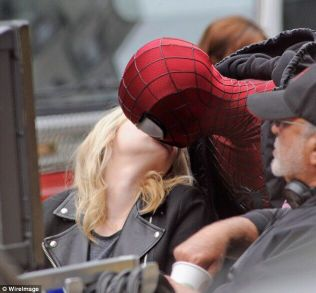 inanilmaz-orumcek-adam-2-The-Amazing-Spider-Man-2-emma-stone-Andrew-Garfield-5
