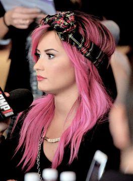 Demi-Lovato-4
