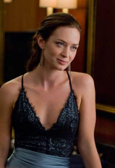 Emily-Blunt-46