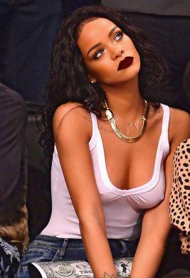 Rihanna-17