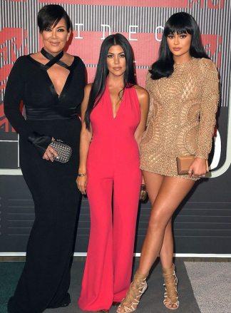 kris-jenner-khole-kardashian-kylie-jenner-mtv-vma-2015