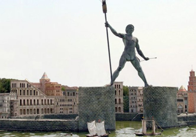 dunyanin-yedi-harikasi-rodos-heykeli-1