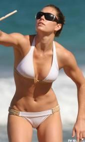 jessica_biel_bikini3_lg
