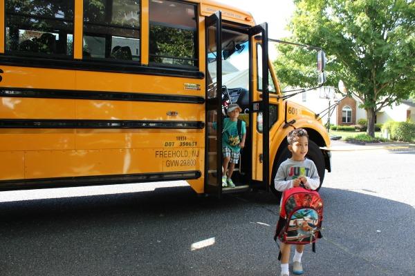 Ventajas al Utilizar el Autobús Escolar - Mamá Contemporánea