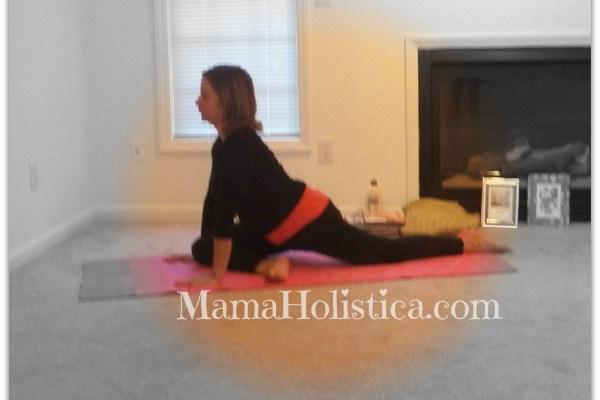 Holistic Thursday: Postura de Yoga la Paloma #YogaMom