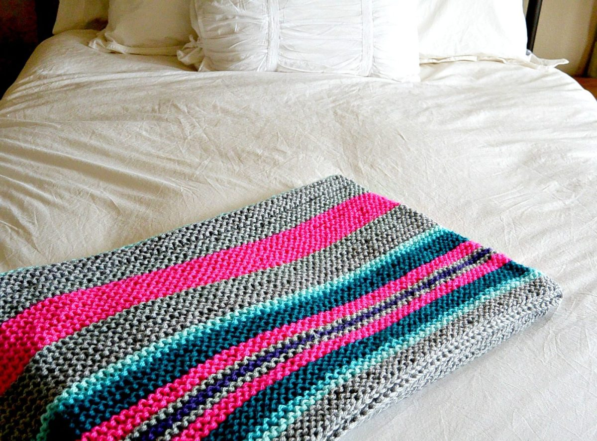 Easy Native Stripes Knit Blanket / Throw