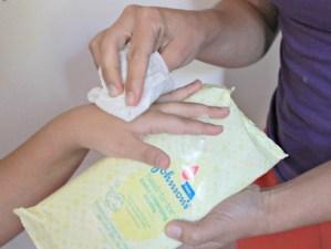 5 usos de las toallitas húmedas cuando viajas con tus hijos