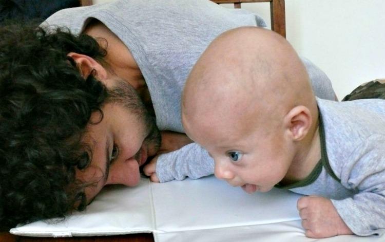 juguetes, bebé, crianza, paternidad, apego, familia, niños