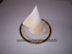 Piegare i tovaglioli: cappello