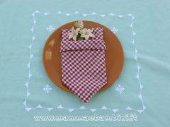 Piegare i tovaglioli: cravattino con tasca