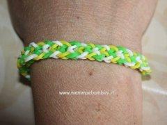 Come fare un braccialetto con gli elastici