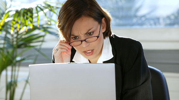 verificare-angajare-retele-sociale