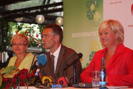 Rødgrønne partiledere, her ved Liv Signe Naversete, Jens Stoltenberg og Kristin Halvorsen. Foto: Arbeiderpartiet