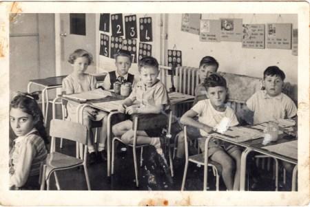 En typisk skoleklasse i gamle dager, nærmere bestemt 1953. Foto: Dave Collier/ Flickr