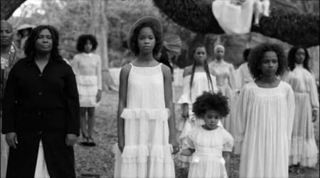 Frihet er bare mulig i møte med andre, argumenterer artikkelforfatteren. Her fra Beyoncés musikkvideo «Freedom» hvor et kollektiv av afroamerikanske kvinner utforsker forholdet mellom individ og samfunn. Videoen er inspirert av den amerikanske borgerrettskampen og filmen «Daughters of the dust».