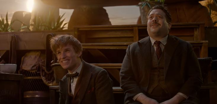 Newt Scamander (Eddie Redmayne) and No-maj Jacob Kowalski (Dan Fogler) in 'Fantastic Beasts and Where to Find Them' (Warner Bros/ 20th Century Fox)