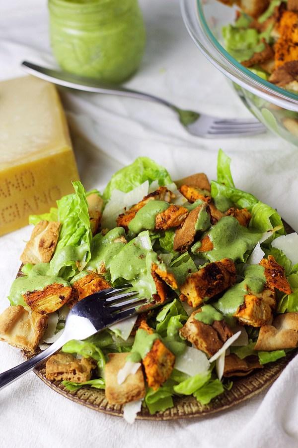 Skinny Tandoori Chicken Caesar Salad|www.mannaandspice.com