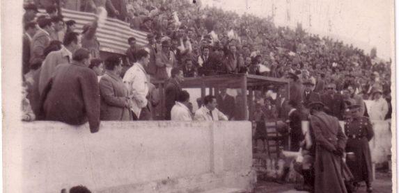 1958-Mayo 18.-Real Betis Balompié-1 Levante UD-0.-Acceso Vestuarios.