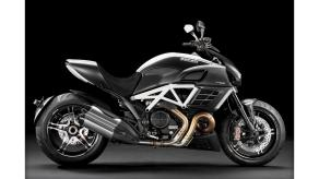 ducati-diavel-amg-special-edition-16922-hd-wallpapers
