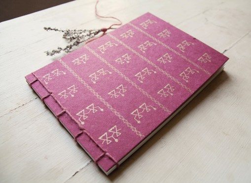 Janas Notebook Gold
