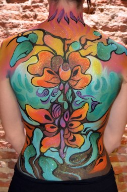 espalda body paint