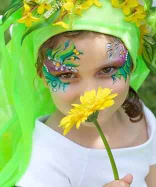 Face painting Maquillaje infantil flores verdes