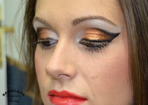 Maquillaje ojos negro plata y cobre