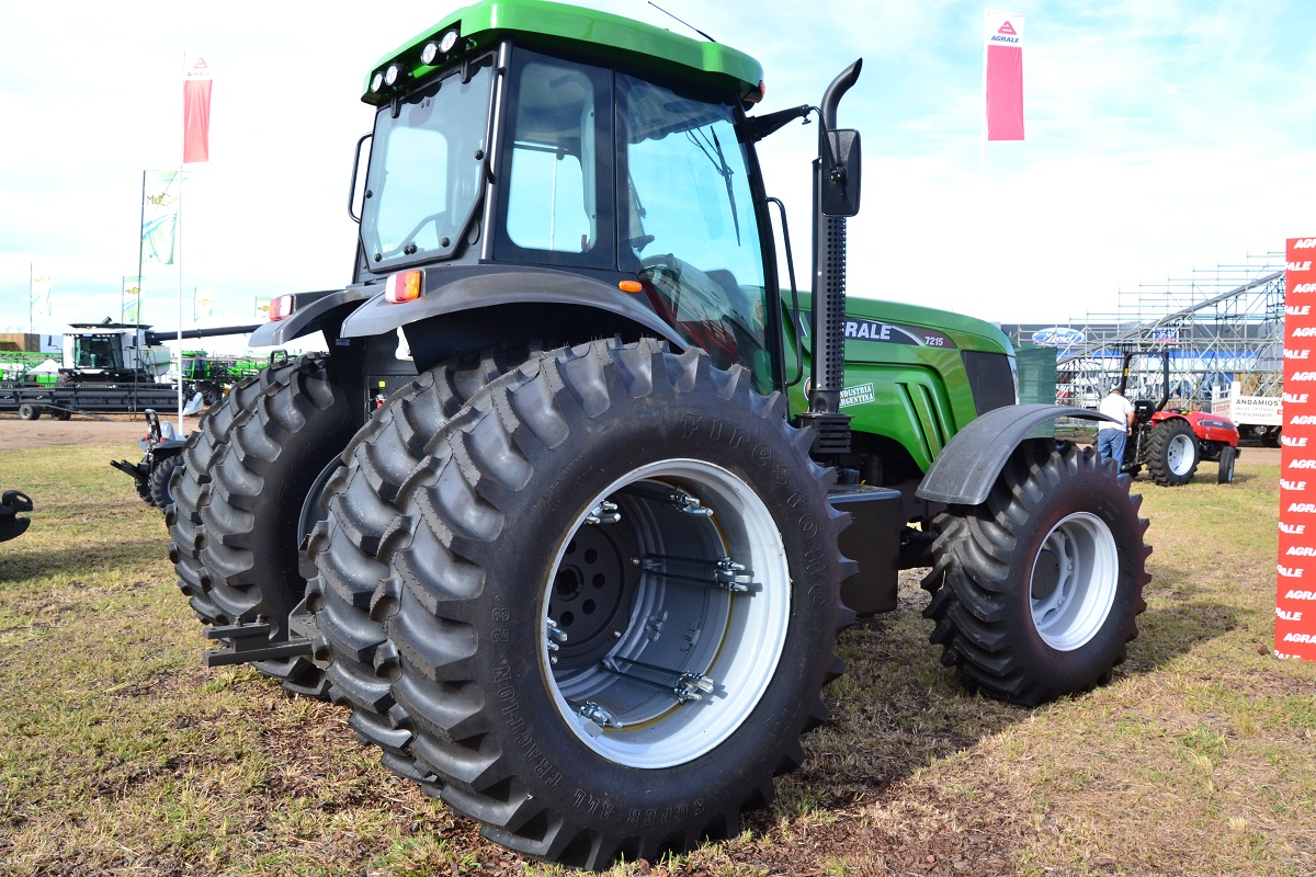 Tractor Agrale 7215