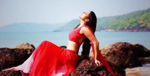 Priya Bapat in Timepass 2