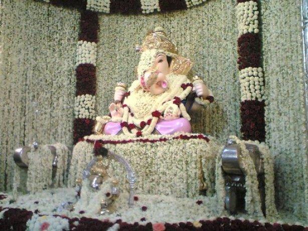 Shreemant Dagdusheth Halwai Ganapati Temple