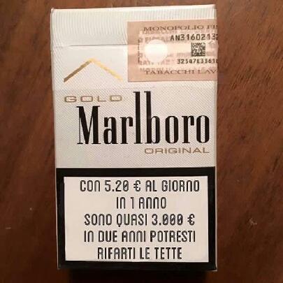 """Un pacchetto di sigarette """"alternativo"""". Grazie all'amico Gianni Birardi"""