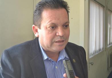 Falta diálogo para defender o governo, diz vereador
