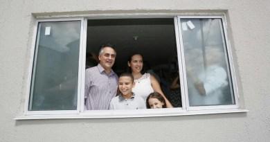 Prefeito torna realidade um sonho para mais 192 famílias