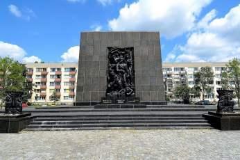 Паметник на героите от гетото, Варшава.