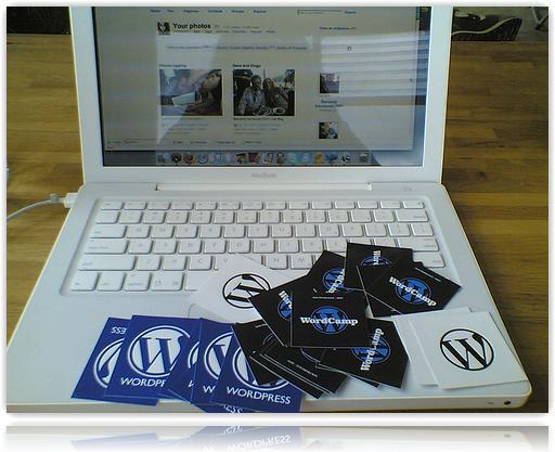 Apple Laptop with Wordpress logo