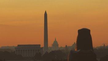 Washington DC Hits First 100F Since 2012, Corn Sweat & Lightning Strike Obliterates Chicago Pole