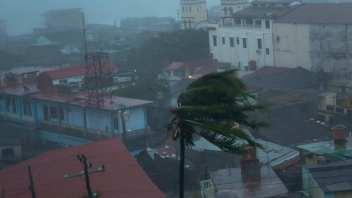 HURRICANE MATTHEW: HAITI, EASTERN CUBA DEVASTATED, BAHAMAS & FLORIDA UP NEXT!