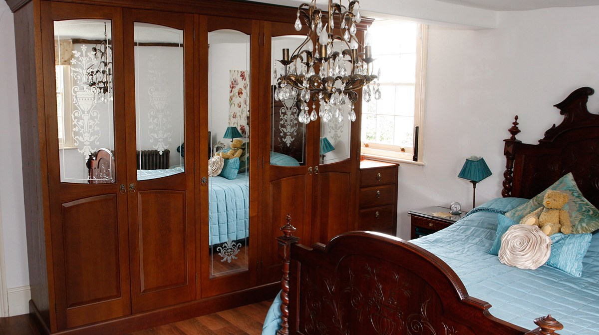 Mark Williamson Furniture - bespoke wardrobes country house Essex