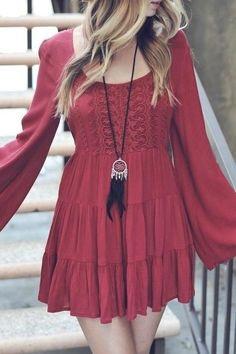 Esquema de modelagem de vestido com manga longa e saia de três babados do 36 ao 56.