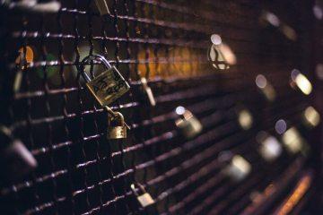 fence-key-locks-1488-825x550