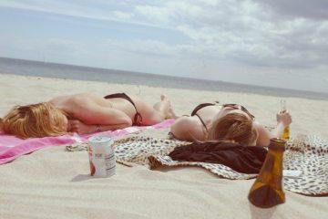 beach-drinking-drinks-2848-830x550