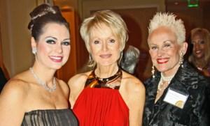 DAndra-Simmons-Patricia-Rhodes-Prowse-and-Barbara-Daseke-IMG_0005