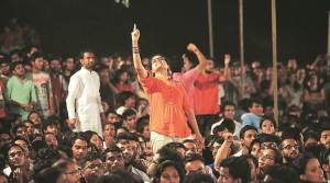 jnu student chanting slogans