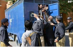 Quetta police oppression on BDA workers 01