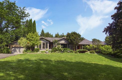 Mulmur - 2 Houses For Sale on 20+ Acres (Bungalow & Cabin)
