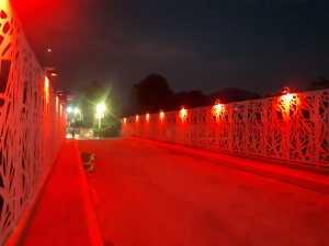 Puente de los suspiros rojo